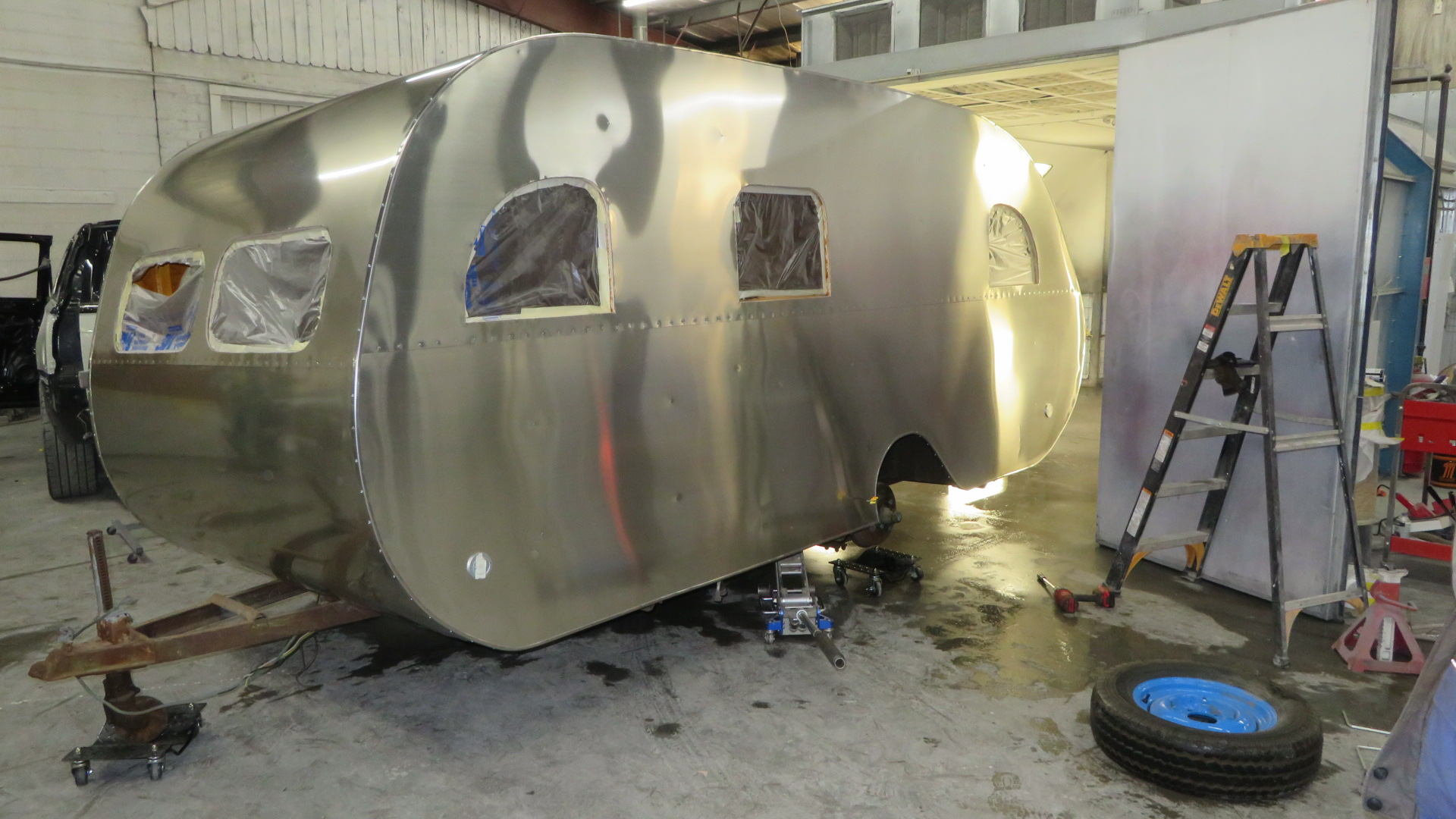 http://www.cannedhamtrailers.com/forum/47mainline/paintbooth.JPG