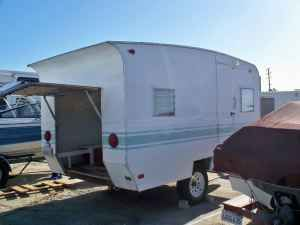http://www.cannedhamtrailers.com/forum/63scamper/first2.jpg