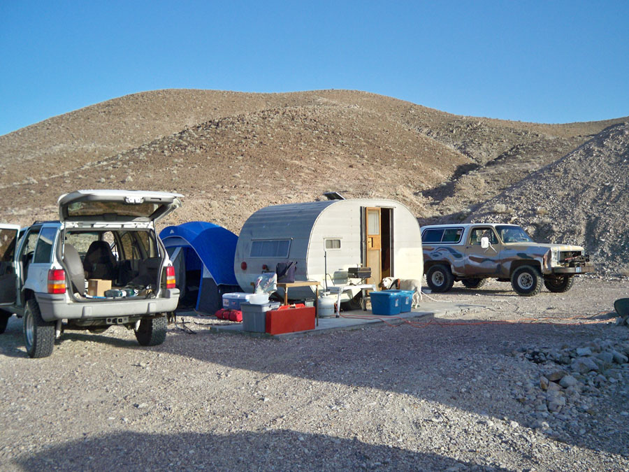 http://www.cannedhamtrailers.com/forum/camping/camp5.jpg